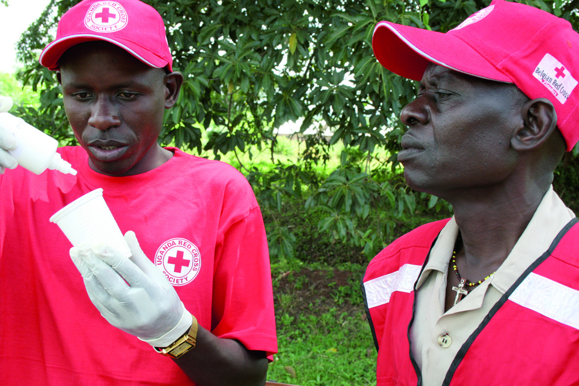 Potente Mischung: 18 aktivierte Tropfen MMS reichen, um einen Erwachsenen über Nacht von Malaria zu befreien.  (Abb: © Jim Humble Verlag)