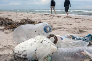 Plastikmüll am Meer. Foto: NABU/F. Paulin