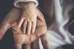 Berührung mit den Händen